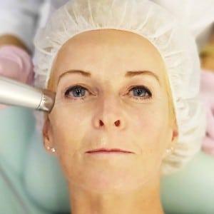 Mesotherapie bei Event mit Live Behandung in der Praxis von Frau Dr. Pirkko Schuppan