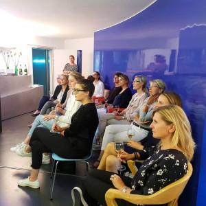 Event mit Live Behandung in der Praxis von Frau Dr. Pirkko Schuppan
